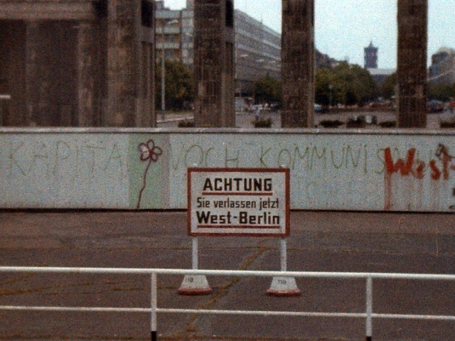 You are now leaving West Berlin