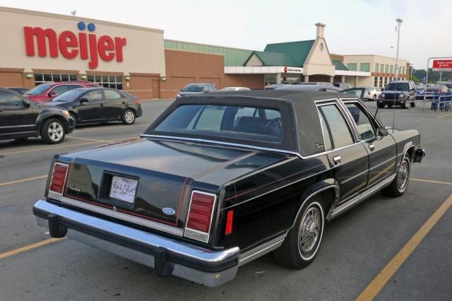 1987 Ford LTD Crown Victoria h