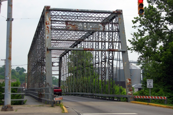 1887 Whipple through truss bridge, Aurora, Indiana